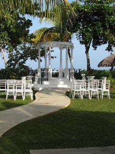Beaches Negril: Wedding area. This is where I got married...Aww...memories. JAMAICA.
