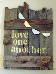 Wood Pallet Ideas Pallet Sign Projects :: Kathleen Bell's clipboard on Hometalk :: Hometalk - 22 pretty pallet sign ideas