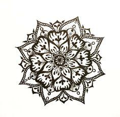 Вот что получилось #мандала #цветок #рисунок #эскиз #орнамент # графика #дудлинг #дудл #art #artwork #painting #mandala #flower #sketch #sketchbook #doodle #doodling
