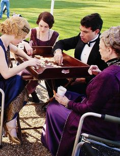 !*CAUGHT in the 21st Century!*  Cast of Downton playing #BANANGRAMS ! <3 <3  <3  !!!