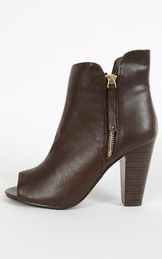 Peep toe booties with a chunky heel and a side zipper. Love it! | MakeMeChic.com