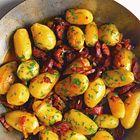 Een heerlijk recept: Gebakken aardappelen met chorizo en spek