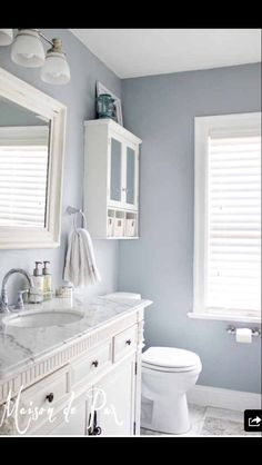 Light colors in bathroom