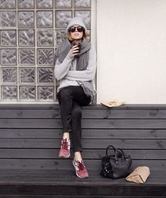 Light grey sweater, dark grey scarf, black skinny jeans, burgundy sneakers