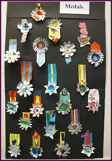 Independent day medals from pupils. Diy Crafts For School, Paper Crafts For Kids, Diy And Crafts, Arts And Crafts, Fathers Day Crafts, Classroom Crafts, Teaching Art, Elementary Art, Creative Crafts