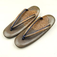Brown, zouri shoes , レザークラフト調の柄を施した大人雰囲気の草履 http://www.rakuten.co.jp/aiyama…