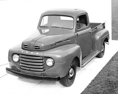 Pictures of Classic Ford Pickup Trucks: 1948 Ford F-1 Truck