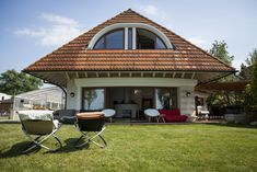 Luxury Beachfront Villa is located in Balatonszárszó and offers a private beach area and barbecue facilities. This property has a terrace and free WiFi. Luxury Beachfront Villa Balatonszárszó Hungary R:Somogy hotel Hotels Free Wifi, Barbecue, Terrace, Gazebo, Outdoor Structures, Luxury, Beach, Outdoor Decor, Hungary