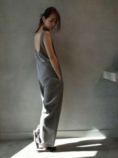 LI HUAのつなぎ・オールインワン「ノースリーブ ワイドオールインワン」を使ったKAORI TACHI(MAISON DE REEFUR 代官山)のコーディネートです。WEARはモデル・俳優・ショップスタッフなどの着こなしをチェックできるファッションコーディネートサイトです。