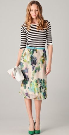 an outfit that mixes prints and doesn't bug me, that's interesting.