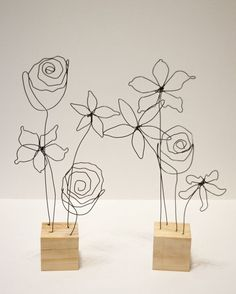 Wire art sculpture - Flower Arrangement Wire Art Mounted to Wood Sculpture – Wire art sculpture Wire Crafts, Diy And Crafts, Arts And Crafts, Wire Art Sculpture, Wire Sculptures, Abstract Sculpture, Bronze Sculpture, Sculpture Ideas, Sculptures Sur Fil