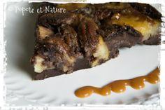 Popote et Nature : Clafoutis au chocolat et aux pommes au caramel beurre salé avec des noix de pécan Beef, Nature, Desserts, Food, Recipe, Fresh Fruit, Greedy People, Tent, Meat