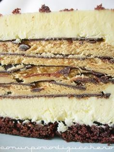 """La prima volta che ho visto questa meraviglia di torta stavo sfogliando il libro """"Tiramisù e Chantilly"""" di Luca Montersino, subito dopo av..."""