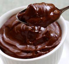 O Brigadeiro Fit de Colher com 4 Ingredientes é perfeito para aquela hora em bate a vontade de doce, mas você não quer fugir da dieta. Confira a receita e faça agora mesmo!