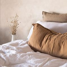 First Look: Beige Interior Trends of 2019 - Jessica Elizabeth - Learn how to easily use 2019 interior design trend – beige – with these key design principles a - Bedroom Inspo, Home Bedroom, Bedroom Decor, Bedroom Ideas, Interior Design Trends, Interior Styling, Modern Interior, Decoration Inspiration, Room Inspiration