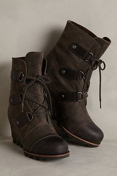 Sorel Joan of Arctic Wedge Boots #anthropologie  These got to be the coolest looking sorels i've ever seen!!