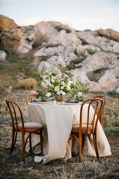 Natural and organic wedding inspiration | Photo by Claire Marika | Read more -  http://www.100layercake.com/blog/?p=74176
