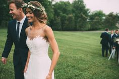Save Money With These Great Wedding Tips. Whether you are researching wedding suggestions for yourself or even for a friend or loved one that has asked for help, you will undoubtedly realize that w Budget Wedding, Wedding Planning, Dream Wedding, Wedding Day, Perfect Wedding, Rainy Wedding, Wedding Bells, Wedding Advice, Bride Hairstyles