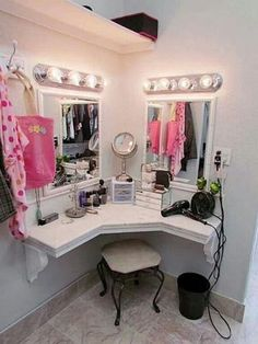 You'll love this light and bright, built in vanity and dressing area in master closet, girls bedroom, or bathroom. Dream Bedroom, Girls Bedroom, Girl Rooms, Bedroom Themes, Bedroom Decor, Bedroom Ideas, Bedroom Designs, Bedroom Styles, Decor Room