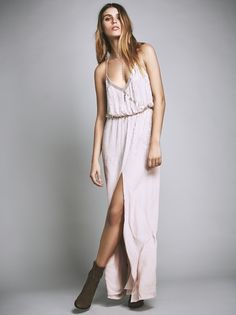 Boho Dresses, Cute & Casual Dresses | Free People. View the whole collection, share styles with FP Me, and read & post reviews.