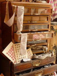 A beautiful storage cabinet for your sewing tools, patterns, buttons, textiles. Lovely By: Tempusfugit Sewing Room Storage, Sewing Rooms, Craft Storage, Storage Spaces, Couture Vintage, Vintage Sewing Notions, Vintage Sewing Machines, Sewing Baskets, Vintage Office
