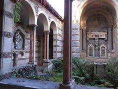 Blick in den Klostergarten von Schloss Glienicke