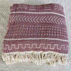 Cotton Throw Blanket Coastal Beauty - Dusty Rose - Yummy Linen Linen Sheets, Linen Bedding, Large Throws, Cotton Kimono, Cotton Throws, Quilt Cover, Slow Fashion, Dusty Rose, Textile Design