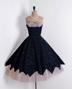1950's Vintage Black Floral-Flocked Taffeta and Champagne-Pink Ruffle Chiffon-Couture Sweetheart Shelf-Bust Strapless Nipped-Waist Princess Ballerina-Cupcake Rockabilly Zig-Zag Tulle Circle-Skirt Bombshell Formal Wedding Evening Cocktail Party Dress