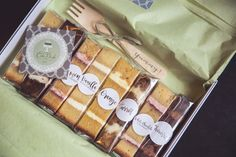 CakeBuds produces Wedding Cake Sample Boxes once per month. These are either available at my FREE Wedding Cake Consultations or to purchase for 15 plus P&P. Get in touch if you would like more information. Photo by Katie Mortimore Photography. Baking Packaging, Biscuits Packaging, Cake Packaging, Baking Business, Cake Business, Cake Portions, Italian Wedding Cakes, Tapas, Wedding Cake Flavors