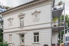 Neo-Renaissance an der Walderstraße in Hilden (Kreis Mettmann) Renaissance, Garage Doors, Mansions, House Styles, Outdoor Decor, Home Decor, Facade House, Real Estates, Art Nouveau