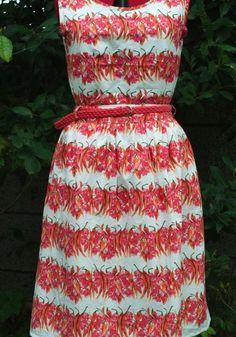 Chilli print dress from 2 skirts http://www.kollabora.com/projects/chili-and-flowers-dress-2-skirts www.busyellebee.wordpress.com