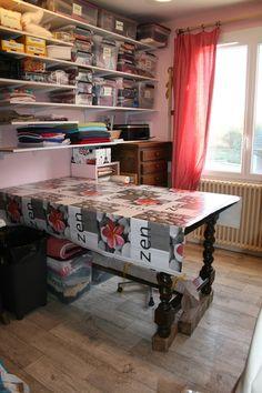 Voici l'atelier de CREASOF. Venez visiter ma boutique www.creasof-creation-originales.com.