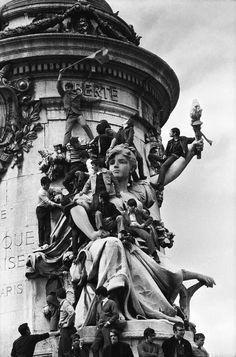 Paris 1968 Photo: Guy Le Querrec