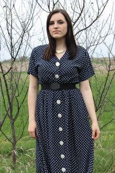 Lovely Dresses, Day Dresses, Button Front Dress, Fashion Details, Dot Dress, Shirt Dress, Cardigans, Vintage Outfits, Fashion Dresses