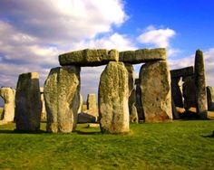 The Stonehenge is one of famous world wonder . Stonehenge is a prehistoric monument located in the English county of Wiltshire. Oh The Places You'll Go, Places To Travel, Places To Visit, Machu Picchu, What Is Paganism, England, Angkor Wat, Giza, Future Travel