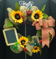 Wreath for teacher door with sunflowers, apples and chalk board and scissors Teacher Wreaths, Teacher Doors, Presents For Teachers, Floral Wreaths, Front Door Decor, Chalk Board, Tree Toppers, Holiday Wreaths, Creative Gifts