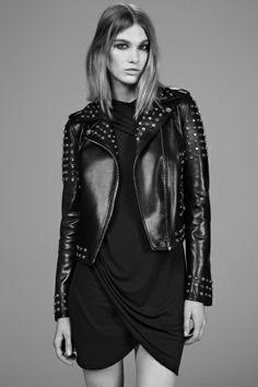 Sfilata Versace Milano - Pre-collezioni Autunno-Inverno 2014-15 - Vogue