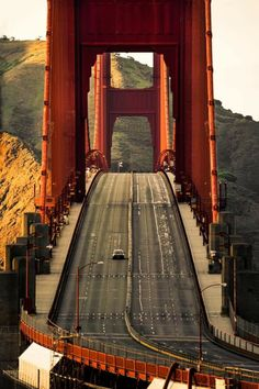 """USA lockedown Golden Gate bridge on quarantine. Great Pictures, Golden Gate Bridge, All Over The World, Empty, Beautiful Places, San Francisco, California, Explore, Instagram"
