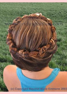 One-strand pretzel stitch braid, crown    I want to learn how to do this. And the lady who does it lives only a hour away.... I think I see some classes in my future!