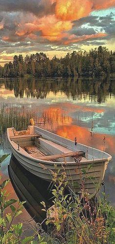 AMAZING SWEDEN⠀⠀⠀⠀  #Photo by @maria.bytheriver⠀⠀  ⠀⠀#landscape nature river sea lake boat sky sunset clouds forest reflection⠀⠀⠀⠀⠀  Sweden Photography  Información en nuestro sitio   https://storelatina.com/sweden/travelling  #Svezia #Швеция