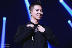 [❤️FanTaken] 140302 Minho @ 2NE1's AON concert (Cr.spring_0330 ) #WINNERAONDay2