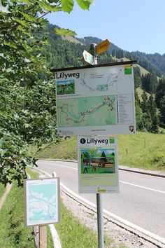 Familienwanderung: Lillyweg Urnäsch - Ausflugsziel im Appenzellerland Travel, Old Wagons, Family Day, Kids Fun, Vacation Places