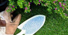 A szuperfoszfátot mindenkinek érdemes megismerni, ugyanis csodákra képes a kertben, a növényeket szinte újjávarázsolja, nézzük, miért kellene használnod neked is! Above Ground Pool, In Ground Pools, Outdoor Bean Bag, Swimming Pools Backyard, Pool Decks, Landscape Services, French Country Style, Backyard Landscaping, Backyard Designs