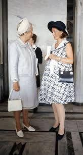 Trendy og høygravid kronprinsesse i anledning kong Olavs 70-årsdag 2. juli 1973.