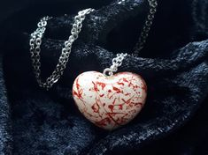 Bloody-heart-necklace