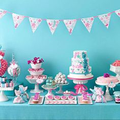 Gorgeous sweets table in teal and magenta! Baby Shower Table Decorations, Party Decoration, Shower Centerpieces, Buffet Chic, Desserts Roses, Cupcake Torte, Girl Birthday, Birthday Parties, Birthday Ideas