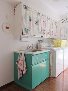 vintage sheets as fabric curtains for the laundry room cabinets.love this laundry room. Decor, Room Makeover, House Design, Laundry Mud Room, Interior, Home Decor, Retro Laundry Room, Home Interior Design, Vintage Sheets