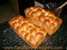 Bestanddele: 2 Kg Koekmeel, 15 ml sout, 3 X 10 gram pakkies kitsgis, Rigatoni, Chutney, Rusk Recipe, Baking Recipes, Dessert Recipes, Bread Recipes, Kos, African Dessert, Apple Crumb Cakes