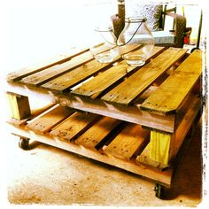 Outdoor freight pallet coffee table