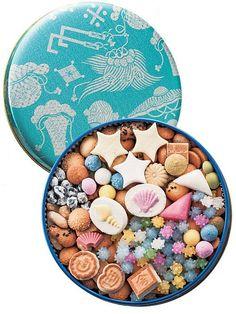 和菓子といえば世界的にも評価の高い芸術的な「上生菓子」の他にも、手軽に食べられるおまんじゅうや団子のような「生菓子」、そして「干菓子」があります。特に干菓子は、茶菓子として使われる落雁以外は、美味しいけど地味なイメージが強くあまり身近ではな…
